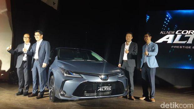 Peluncuran mobil Corolla Altis di Jakarta