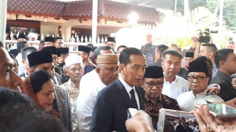 Jokowi Ajak Seluruh Masyarakat Indonesia Doakan Almarhum BJ Habibie