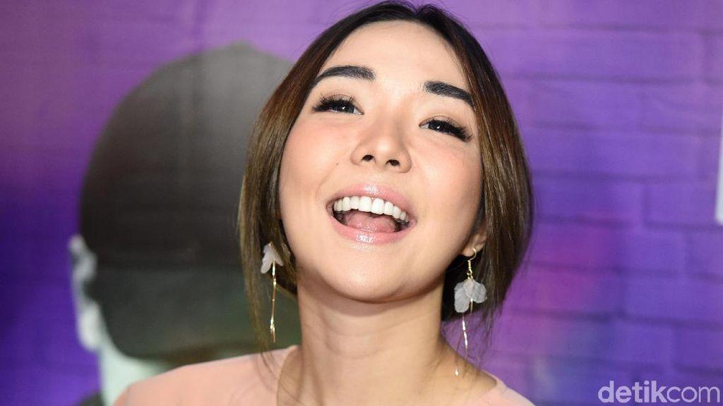 Grup WhatsApp Digegerkan Video Syur, Gisel: Bukan Saya!