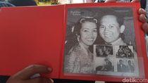Prangko Kertas dan Emas Kisah Cinta Habibie-Ainun Dijual Massal PT Pos