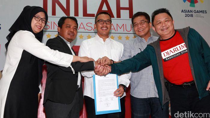 Kementerian Pemuda dan Olahraga (Kemenpora) mencari solusi bersama terkait polemik antara Komisi Perlindungan Anak Indonesia (KPAI) dan PB Djarum soal audisi umum bulu tangkis. Ada kesepakatan bersama yang akan diambil KPAI maupun PB Djarum.