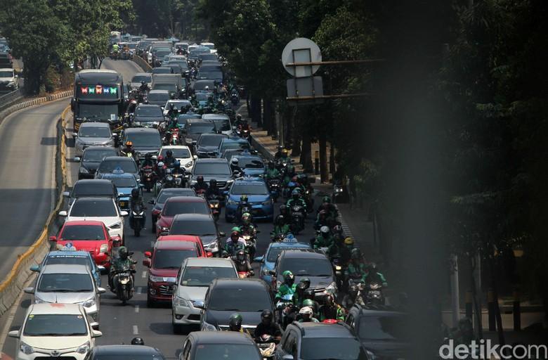 Kemacetan di Jakarta. Foto: Rifkianto Nugroho