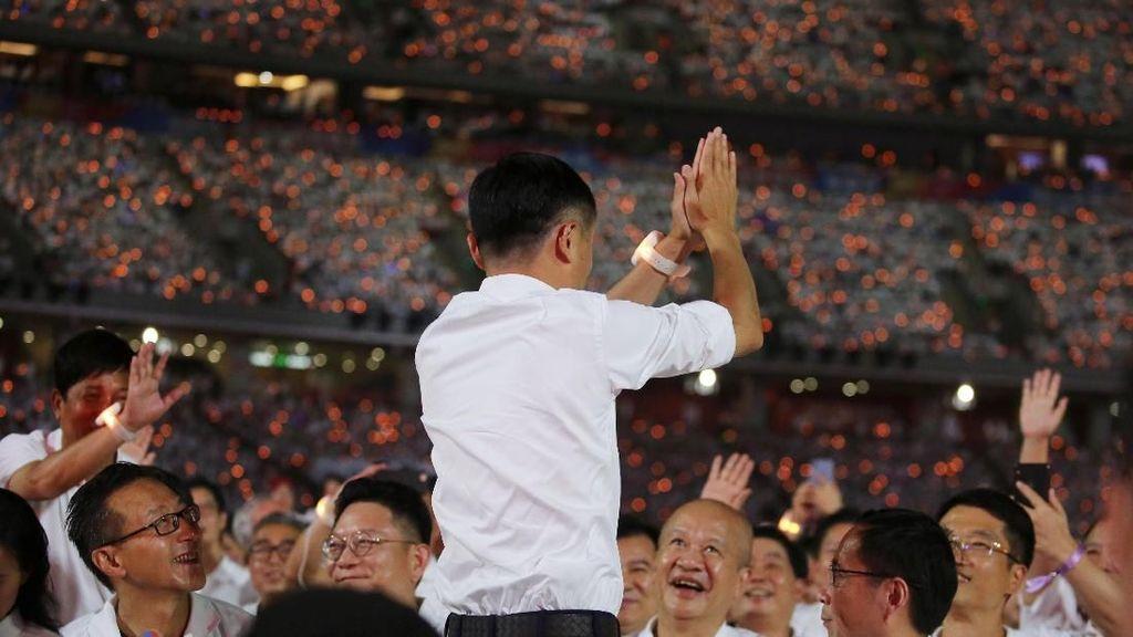 Momen Jack Ma Jadi Rockstar dan Ucapkan Selamat Tinggal