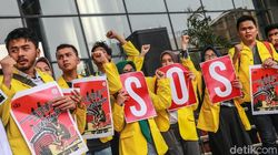 Selain Tarik Surpres RUU KPK, Jokowi Diminta Tak Utus Menteri ke DPR