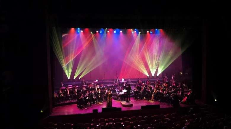 Kembali ke Dekade 80-an Bersama Addie MS dan Twilite Orchestra