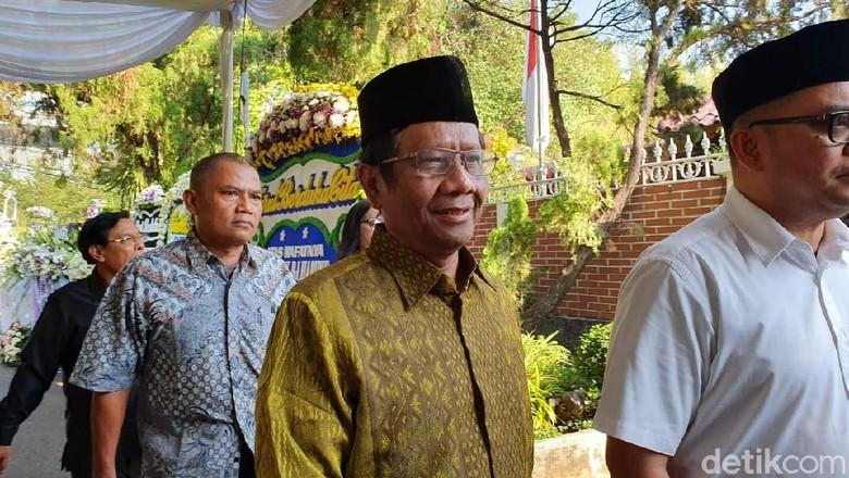 Mahfud Md Cerita Pengorbanan BJ Habibie Menolak Kembali Jadi Presiden