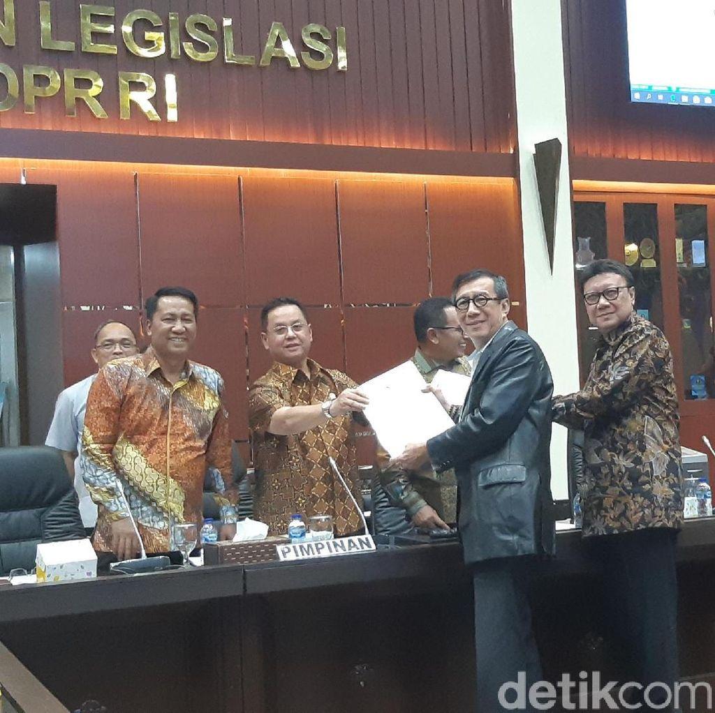 DPR Bakal Sahkan Aturan untuk Carry Over RUU yang Belum Rampung