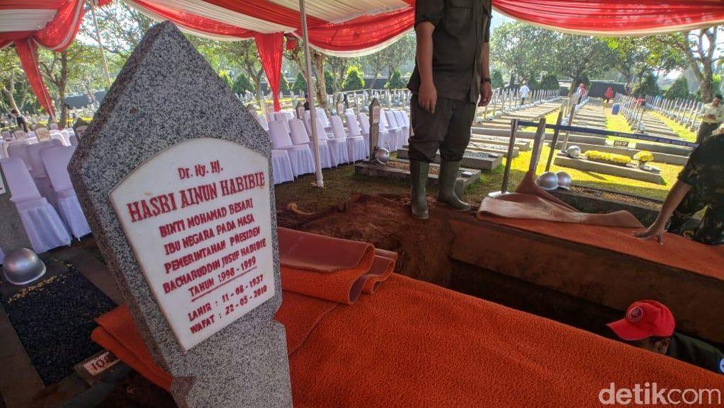 Di Samping Pusara Ainun, Ini Lokasi Makam BJ Habibie