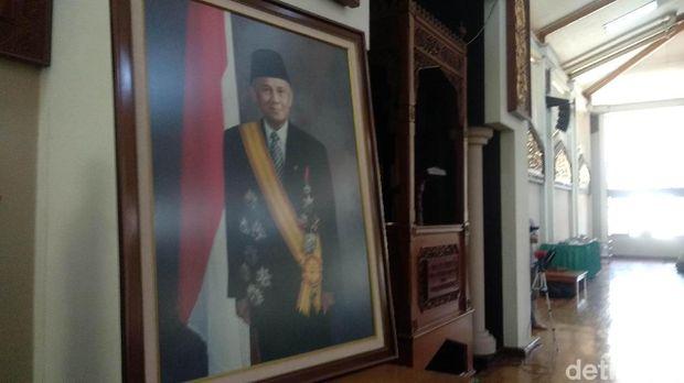 Ribuan Pegawai PT DI Salat Gaib Doakan dan Kenang BJ Habibie