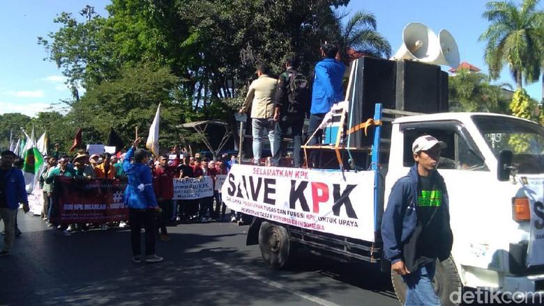 Tolak Revisi UU KPK, Dosen dan Mahasiswa Yogya Turun ke Jalan