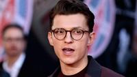 Nasehat Sesat Mark Wahlberg ke Spider-Man: Gila-gilaan Pakai Ganja!