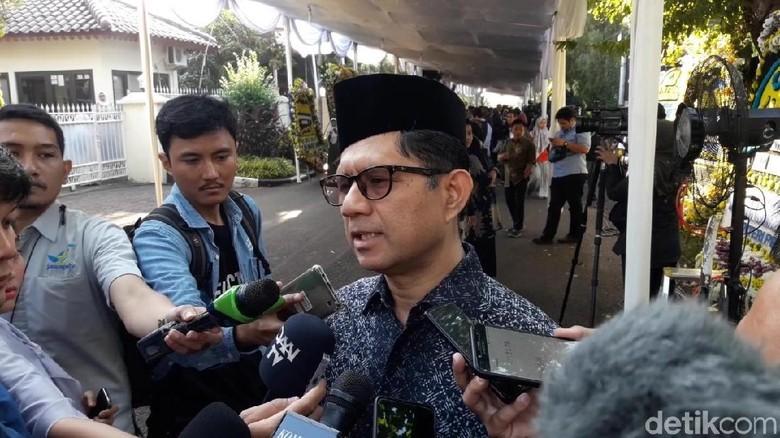 Laode Syarif Kenang Dampingi BJ Habibie Tinjau Ruang Pemeriksaan KPK