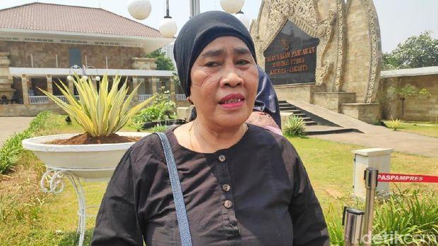 Jelang Pemakaman BJ Habibie, Warga Mulai Berdatangan ke TMP Kalibata