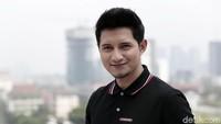 Tak Ingin Sia-siakan Masa Muda,  Chand Kelvin Tempuh Pendidikan S2