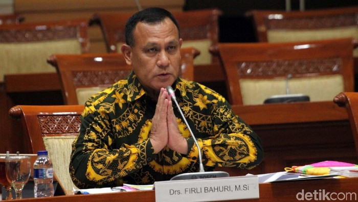Capim KPK Firli Bahuri melakukan fit and proper test di Komisi III DPR, Senayan, Jakarta, Kamis (12/9/2019). Sejumlah hal dipaparkan Irjen Firli.