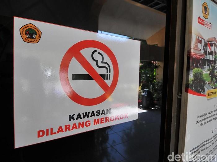 Perda Kawasan Tanpa Rokok (KTR) mulai disosialisasikan ke publik. Kali ini sosialisasi dimulai dari kampus-kampus yang berada di Surabaya.