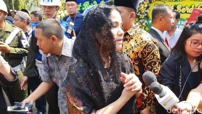 Annisa Pohan Kenang Nasihat Habibie Setelah Bu Ani Wafat