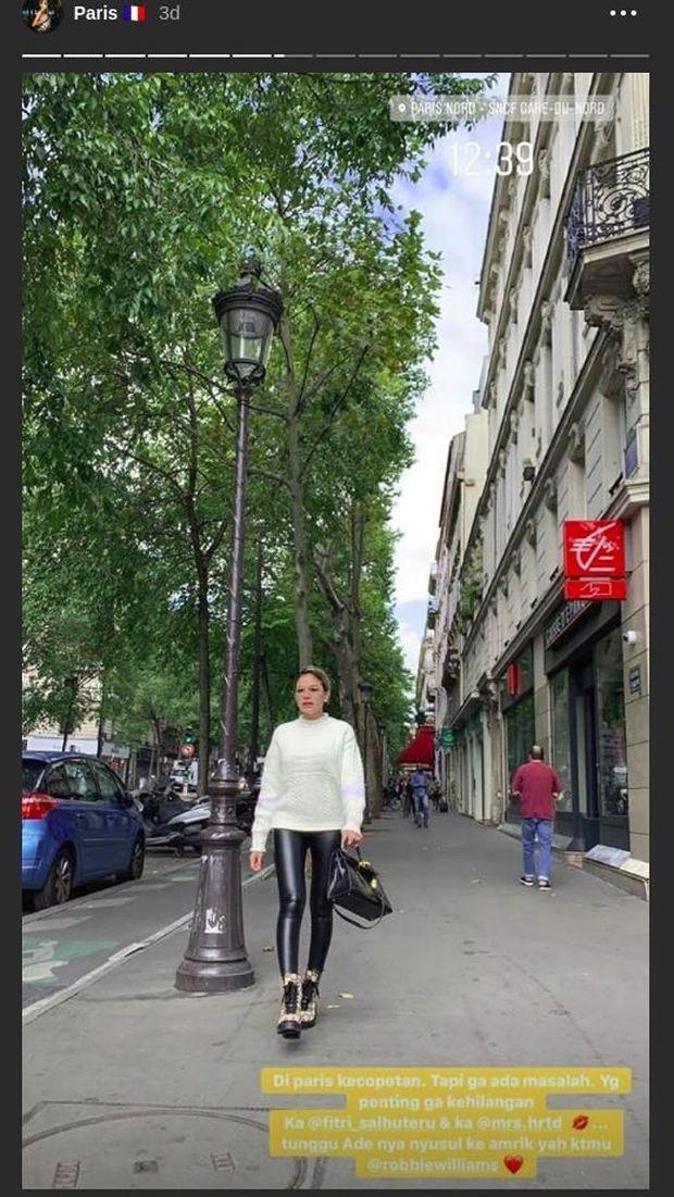 Nikita Mirzani Kecopetan di Paris, Tetap Bisa Eksis