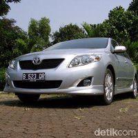 Toyota Corolla Altis model 2010