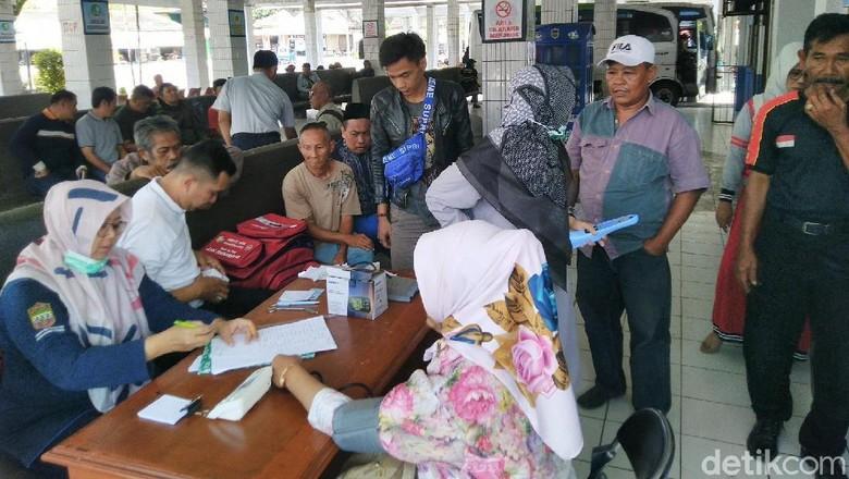 Sopir Angkutan Harus Prima, Dishub Gelar Cek Kesehatan di Terminal