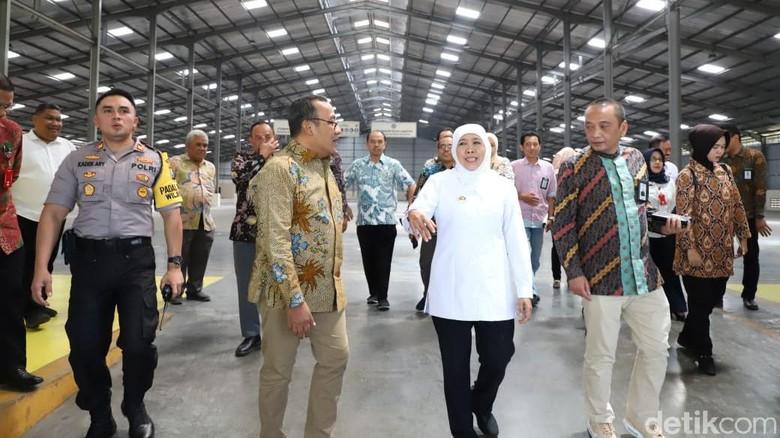 Khofifah Sebut Pusat Logistik Berikat Permudah IKM dan UKM di Jatim