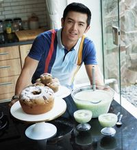 5 Fakta Nicky Tirta, Pesinetron Ganteng yang Jago Bikin Kue