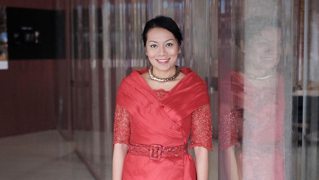 Dewi Dee Lestari Bikin Instagram Rekomendasi Makanan Enak di Tangsel