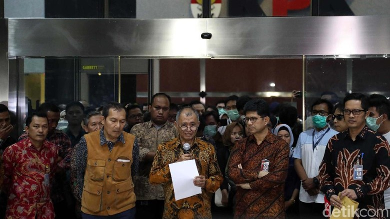 Mengapa Jokowi Tak Pernah Ajak Bicara KPK soal Revisi UU?