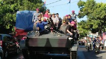 Parade Kendaraan Tempur di Situbondo
