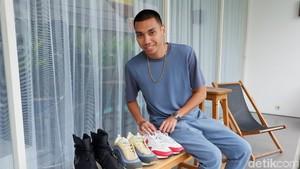 Cerita Rayi RAN, Kecanduan Koleksi Sneakers Hingga Punya 150 Sepatu