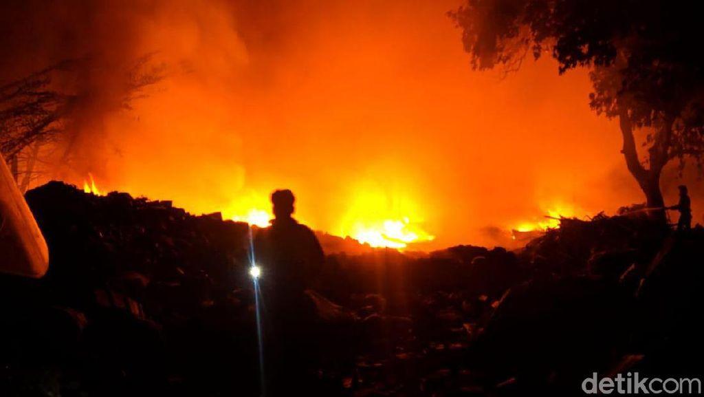Video Kobaran Api di Pasar Modern Bintaro, Ruko Ludes
