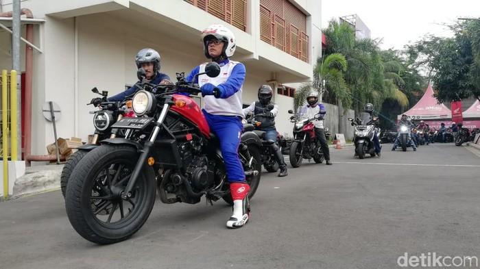 Main dealer sepeda motor Honda Jakarta Tangerang, PT. Wahana Makmur Sejat menggelar kampanye safety riding konsumen Honda BigBike dan review Honda Gold Wing Sabtu, 14 September 2019