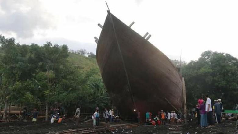 Tradisi Kalondo Lopi di Bima (Forum Pokdarwis Bima/istimewa)