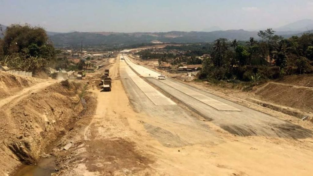 Kejar Tayang Pembangunan Tol Cisumdawu Penyambung Nadi Kertajati