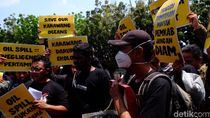 HUT Karawang, Bupati Disomasi Warga Soal Pencemaran Minyak Pertamina