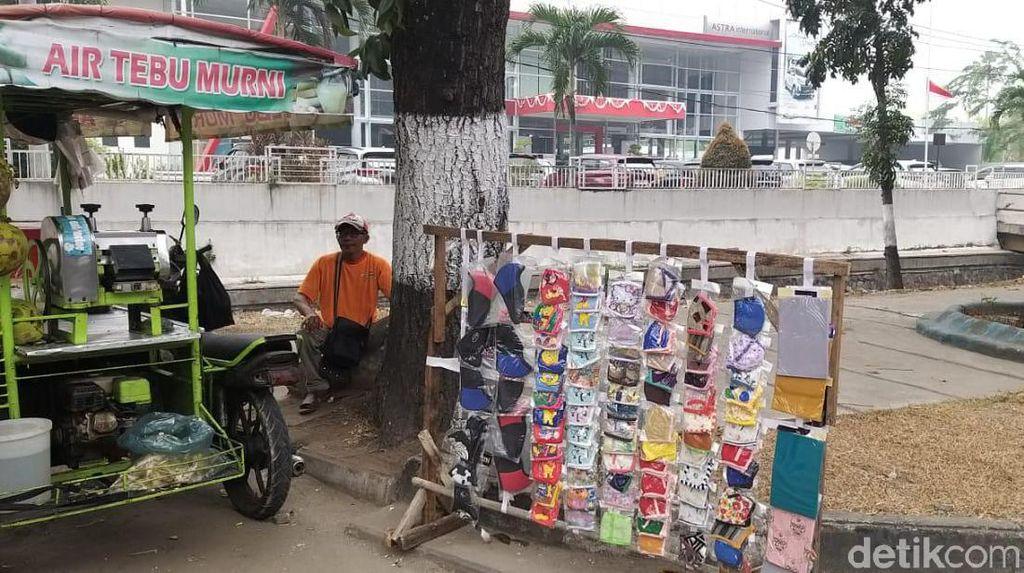 Riau Dilanda Kabut Asap, Bisnis Masker Laris Manis