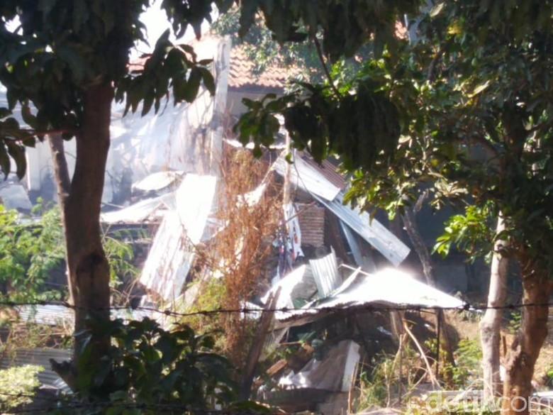 11 Rumah dan 2 Mobil Rusak Akibat Ledakan Gudang Mako Brimob Semarang