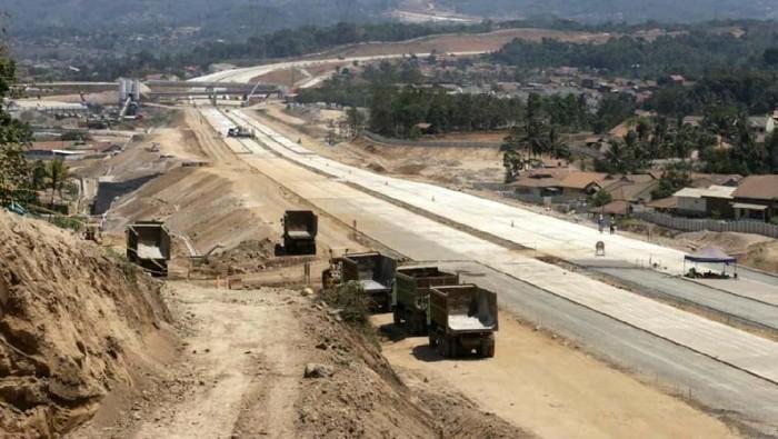 Kementerian PUPR menargetkan Seksi 1-3 Jalan Tol Cileunyi-Sumedang-Dawuan (Cisumdawu) 33 Km dibuka fungsional saat mudik Lebaran 2020.