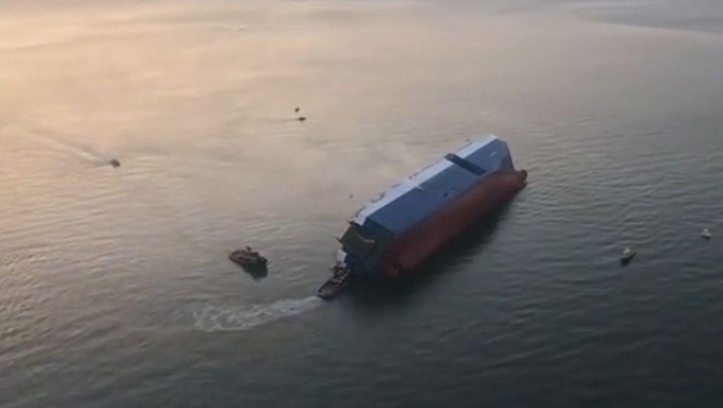 Kapal yang Mengangkut 4.000 Mobil Kia dan Hyundai Tenggelam