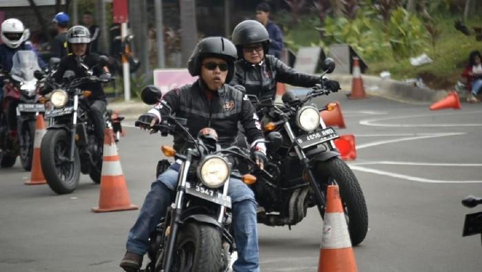 Bikers Moge Honda Berlatih Safety Riding