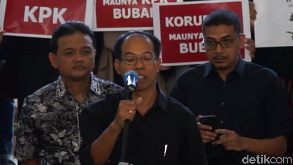 Guru Besar UGM Buatkan Puisi Untuk Jokowi