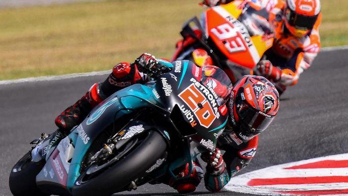 Duel Fabio Quartararo dengan Marc Marquez di MotoGP San Marino (Marco Bertorello / AFP)