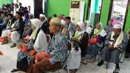 Jemaah Haji Kloter Terakhir Tiba di Surabaya, 8 Orang Masih Perawatan Medis