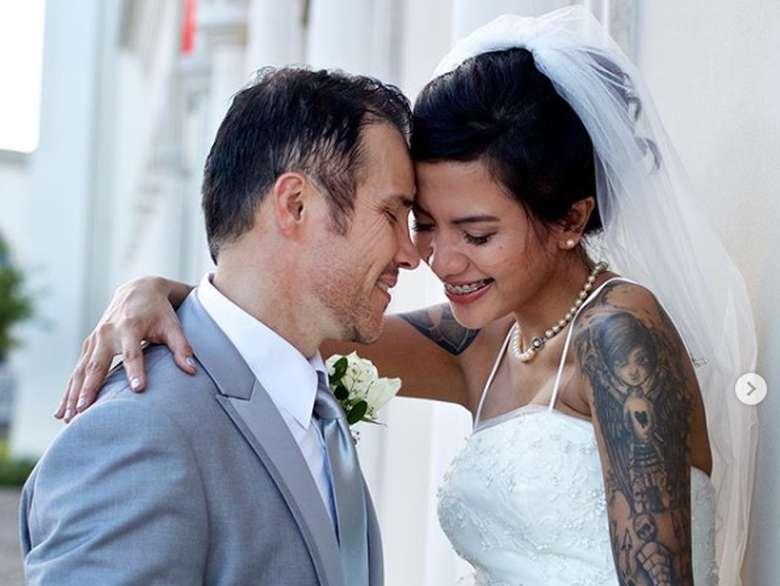 Tiga Setia Gara dan Kisah Disiksa Suami di Amerika
