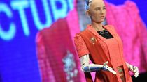 Ini Alasan Robot Sophia yang Cantik Kepalanya Botak