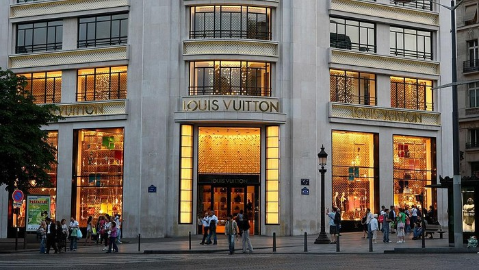 PARIS - JUNE 09:  The Louis Vuitton department store on the Champs-Elysees on June 9, 2008 in Paris, France.  (Photo by Mike Hewitt/Getty Images)