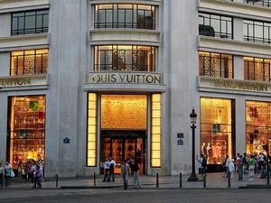 Pabrik Parfum Louis Vuitton akan Produksi Hand Sanitizer Gratis