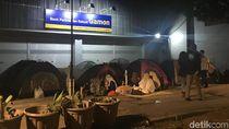 Pencari Suaka Kembali ke Kebon Sirih, Anies: Mensos Sudah Siapkan Tempat