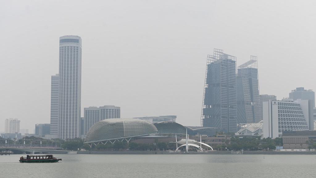 Kabut Asap Karhutla Indonesia Ancam F1 GP Singapura