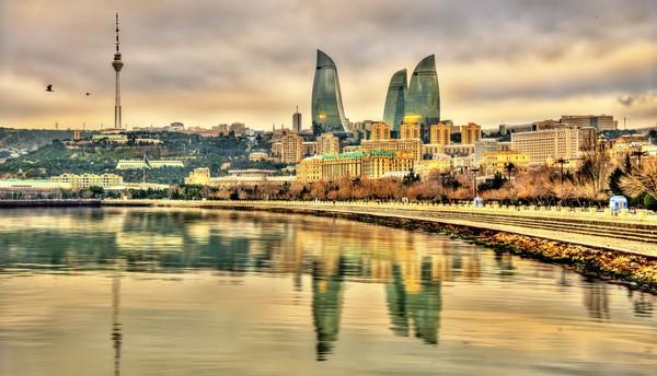 Laut Kaspia dikelilingi oleh Rusia, Kazakstan, Turkmenistan, Azerbaijan dan Iran. Danau ini menjadi pembatas negara Asia dengan Eropa. (iStock)